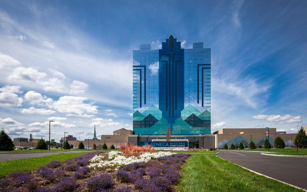 Cole Swindell akan tampil di Seneca Niagara Resort & Casino
