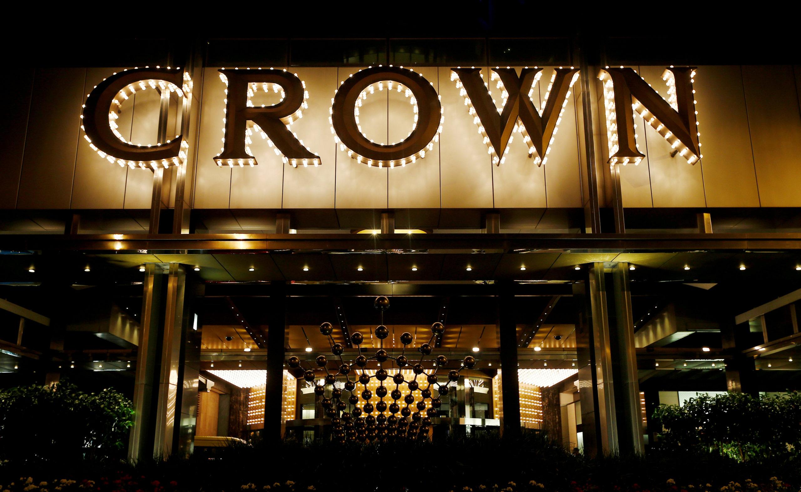 Para rentenir di lantai kasino Crown Perth memangsa para penjudi yang rentan