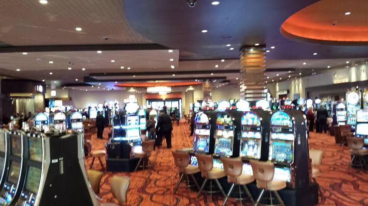 Which are the best casino stocks to buy in a dip?